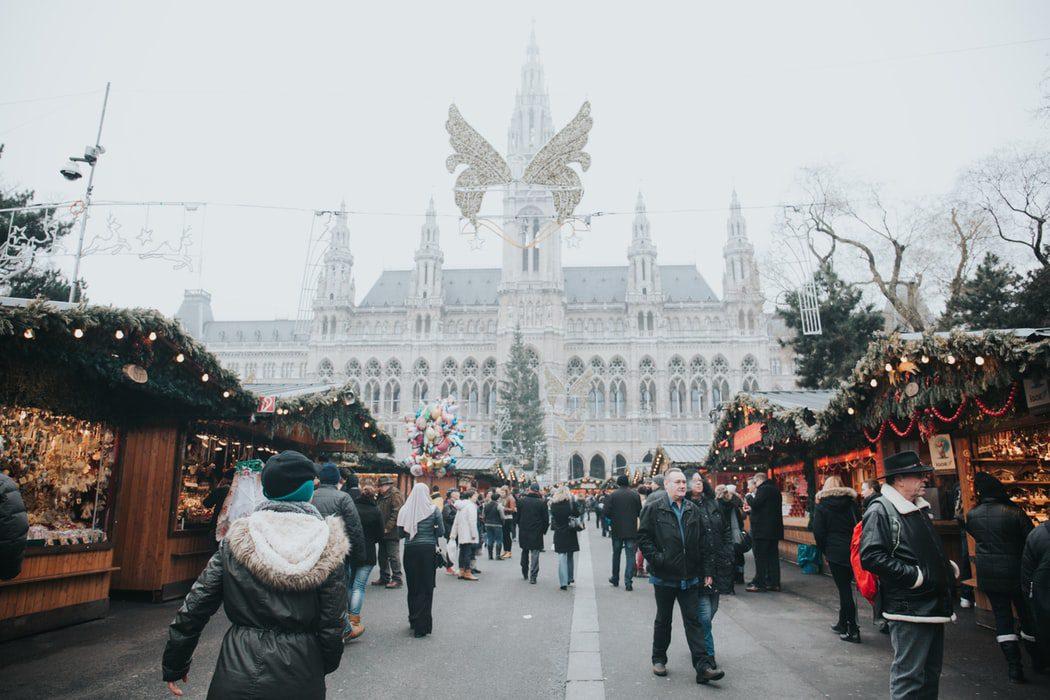 Cum pot petrece studenții care rămân în străinătate sărbătorile de iarnă